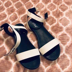 🛍 5/$25 Diba White Hester Sandals